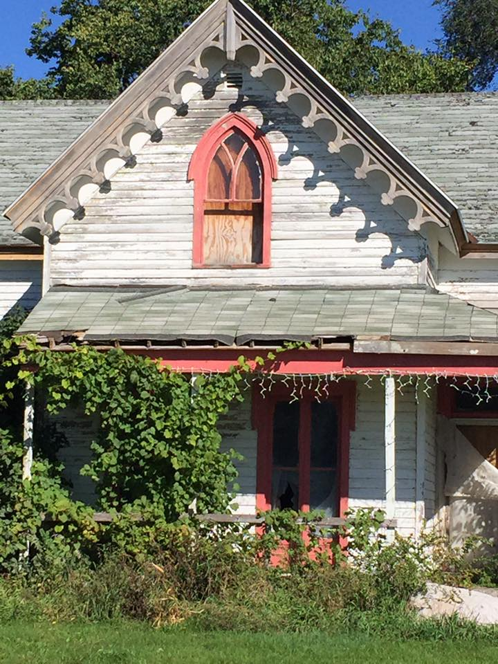 Someone's dream house... some time ago