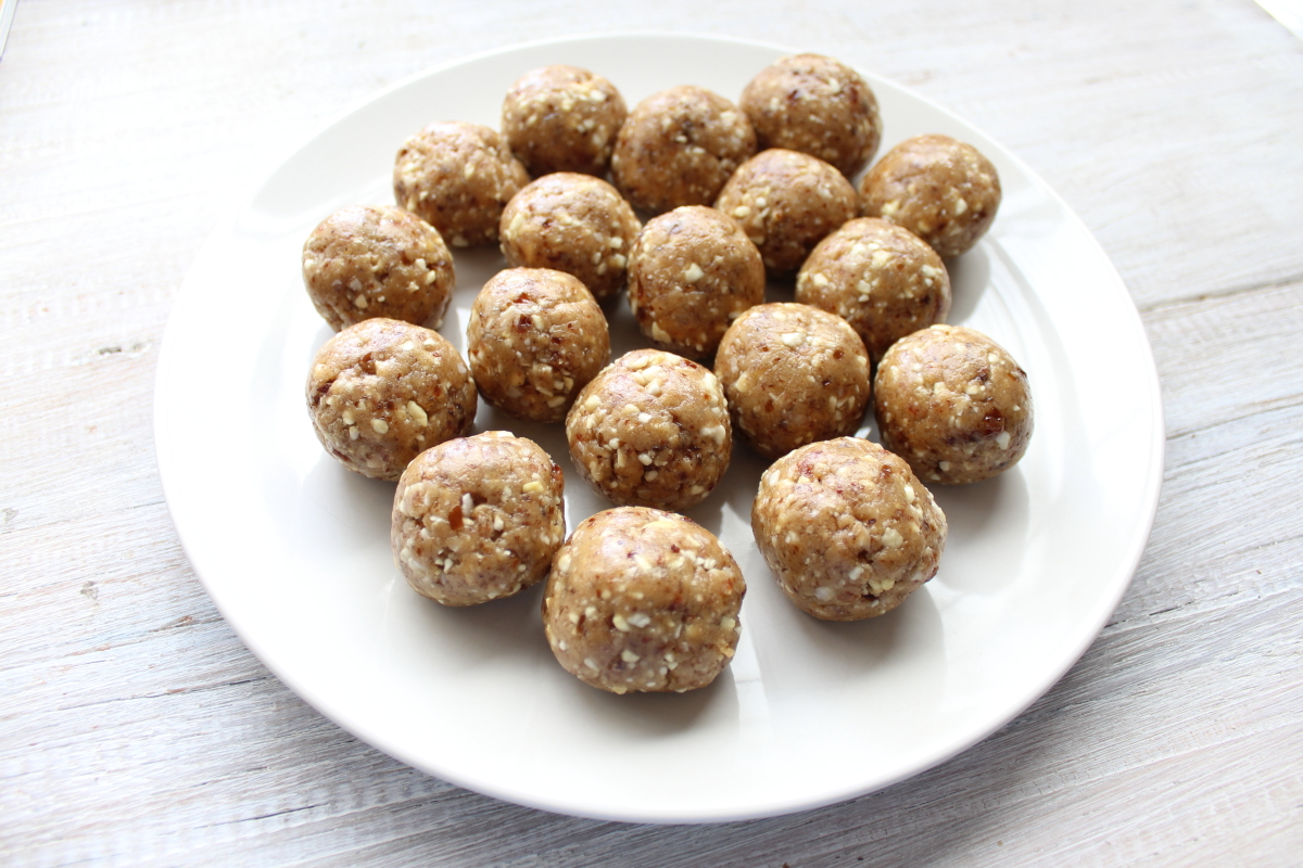 Vanilla & Sesame Protein Balls000002.JPG