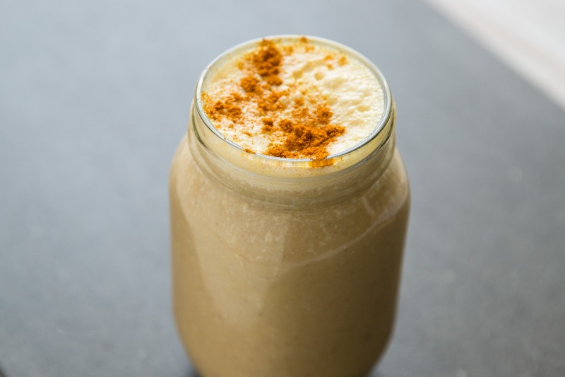 COCONUT AND MACA SMOOTHIE