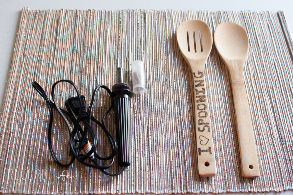Adorable Wood Burned Wooden Spoons | Pinterest Inspired Crafts + DIY