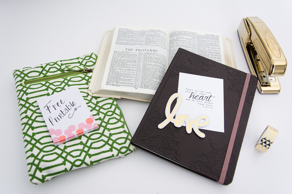 Christian, Digital Prayer Journal Cards plus a FREE Printable Scripture Card via Turquoise Avenue blog.