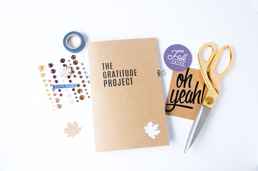 The Gratitude Project | A DIY Minibook Documenting Thankfulness in November