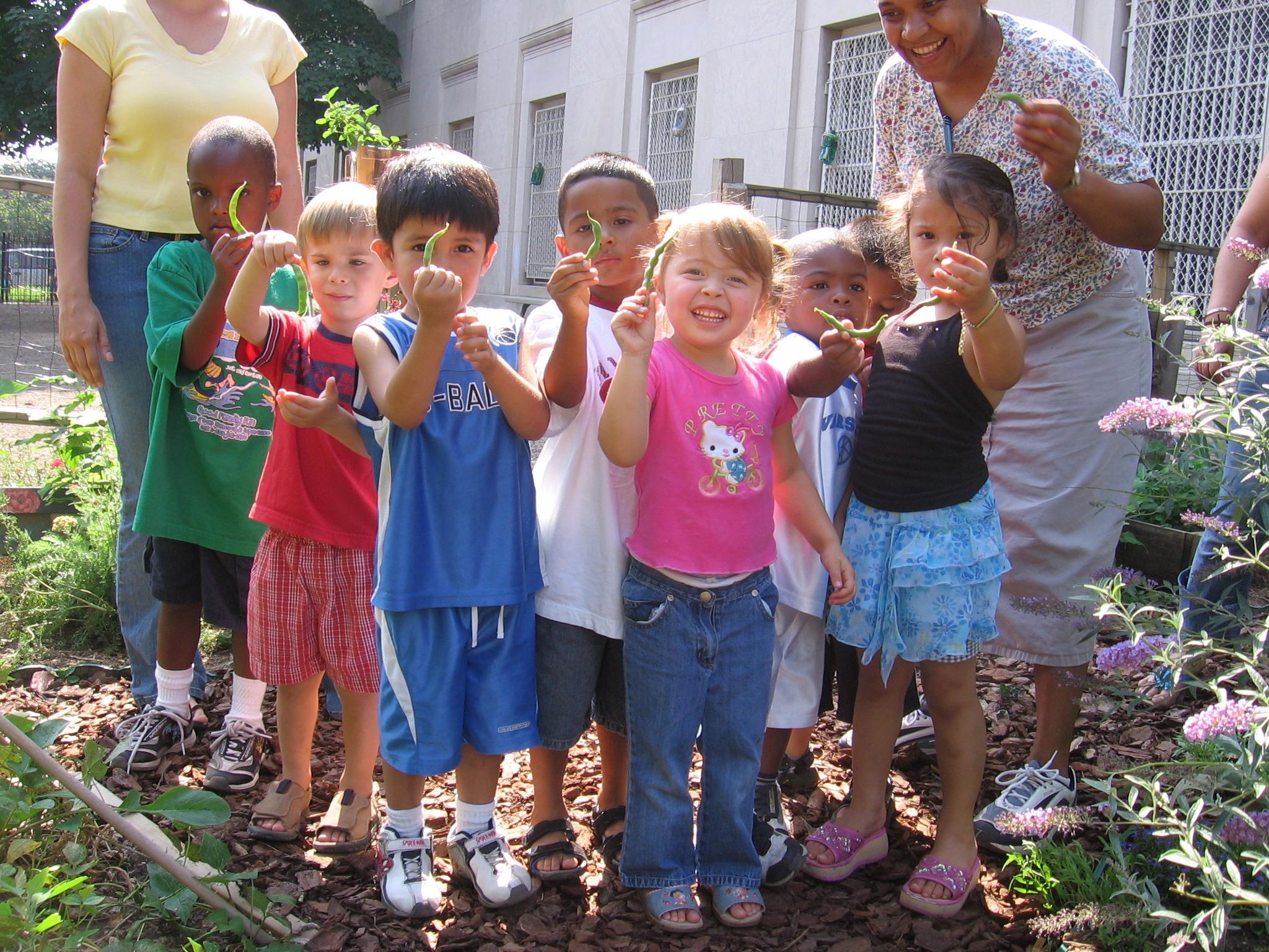 cen_prek_kids&beans1_06.05.JPG