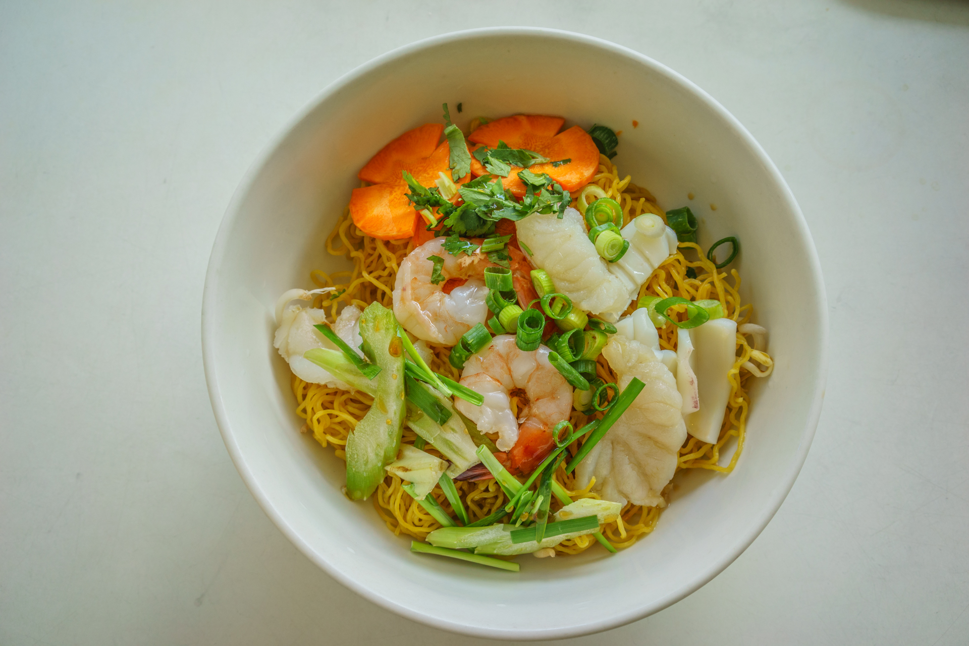 Seafood egg noodle soup ~ mi do bien