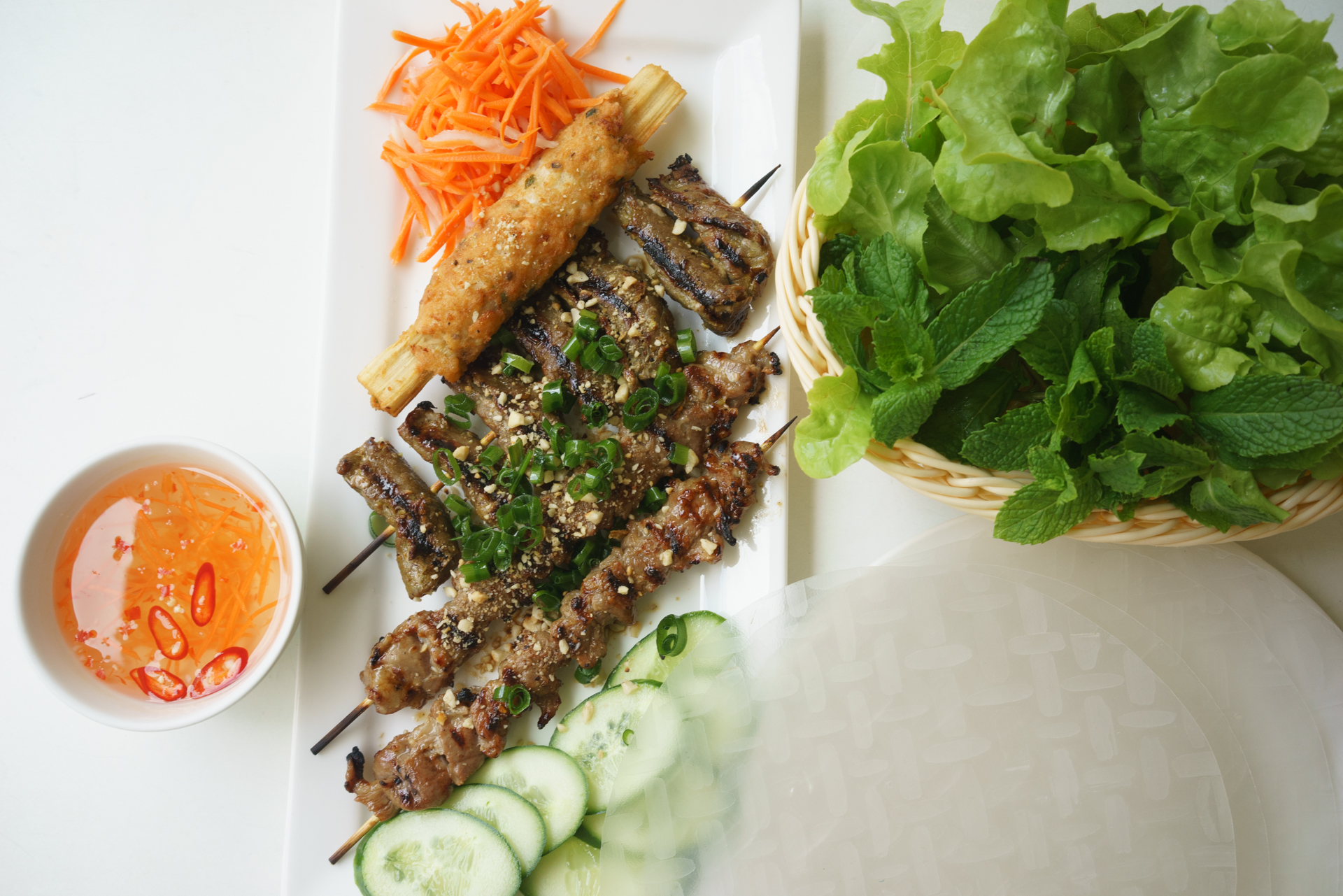 do-it-yourself rice paper rolls from a choice of meats ~ goi cuon dac biet