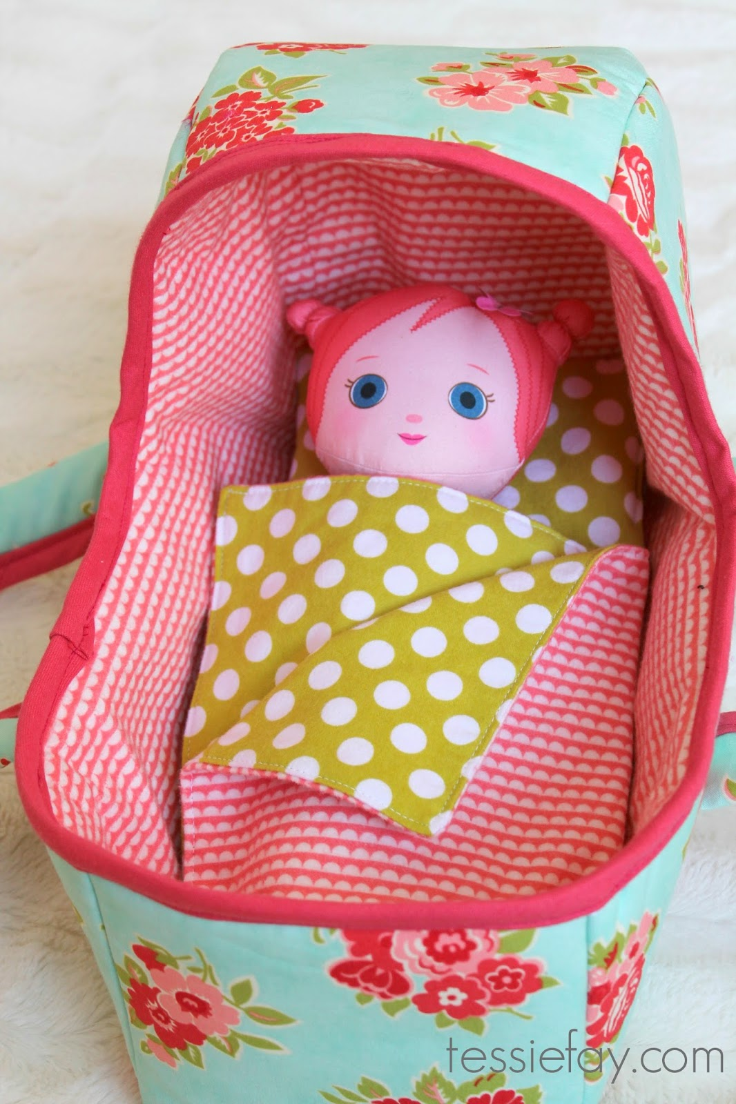 basket+with+reversible+blanket.jpg