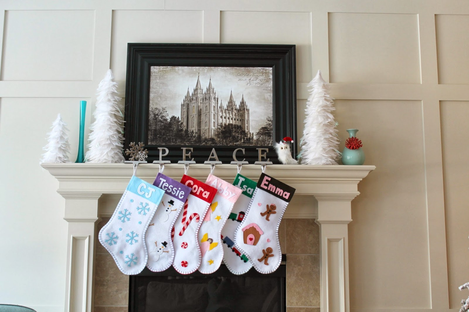 Christmas+Mantel.jpg