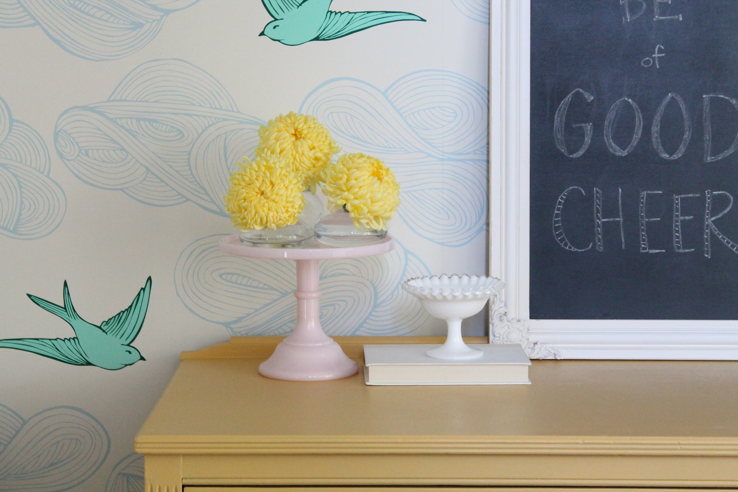 Cheery Little nook with football mums
