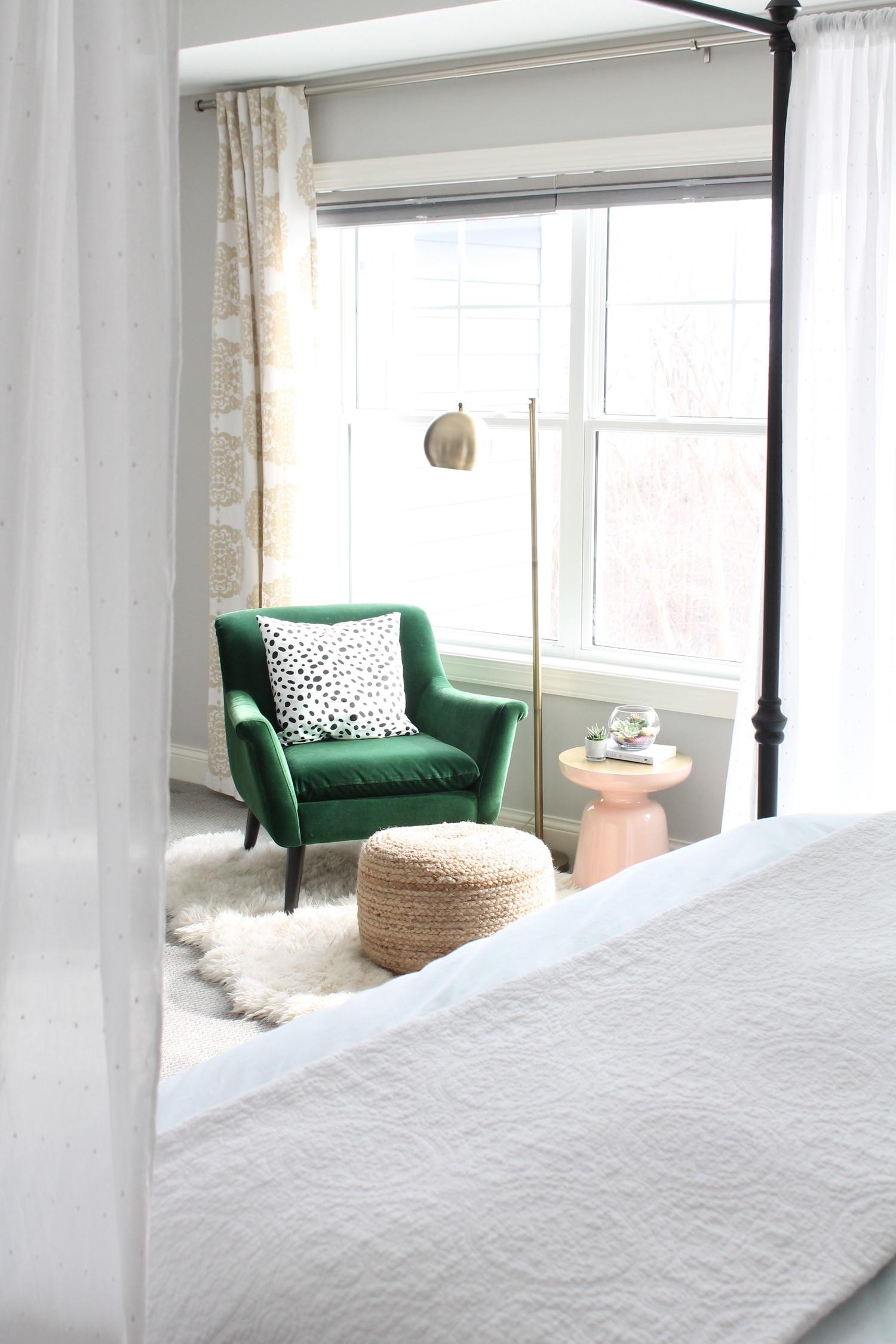 groene velvet fauteuil