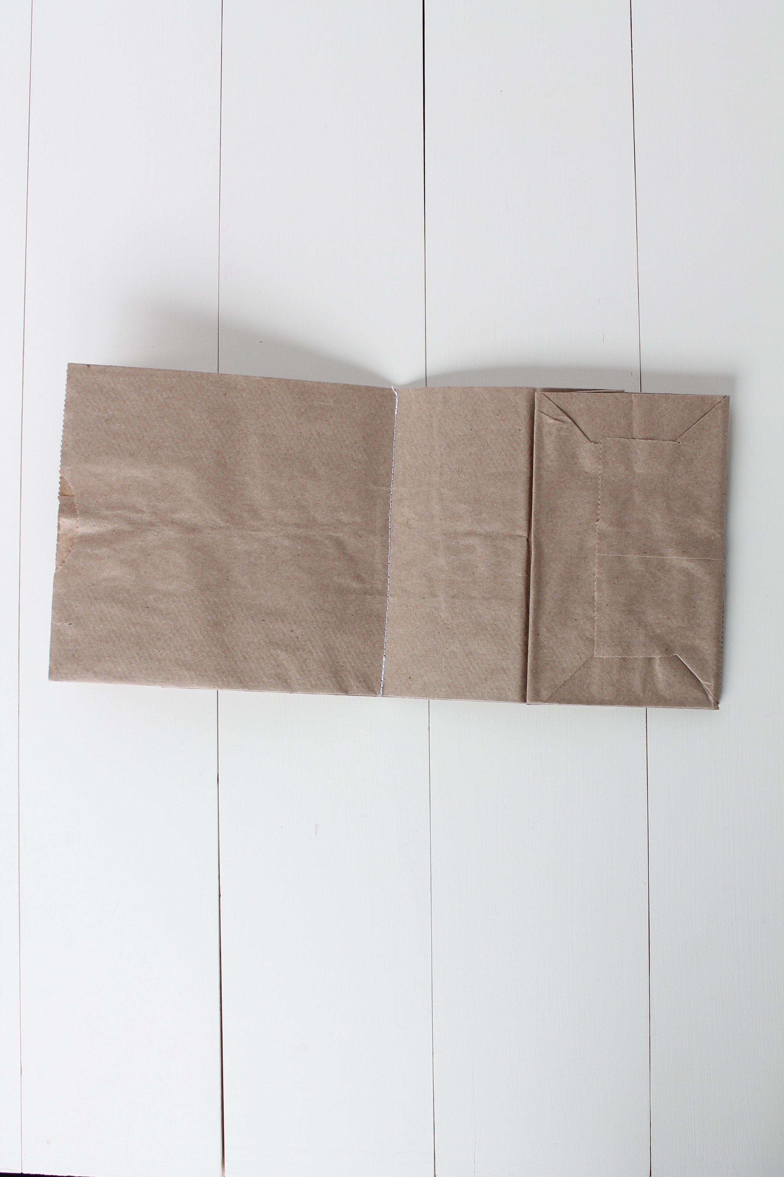 How to make a scrapbook out of paper lunch bags