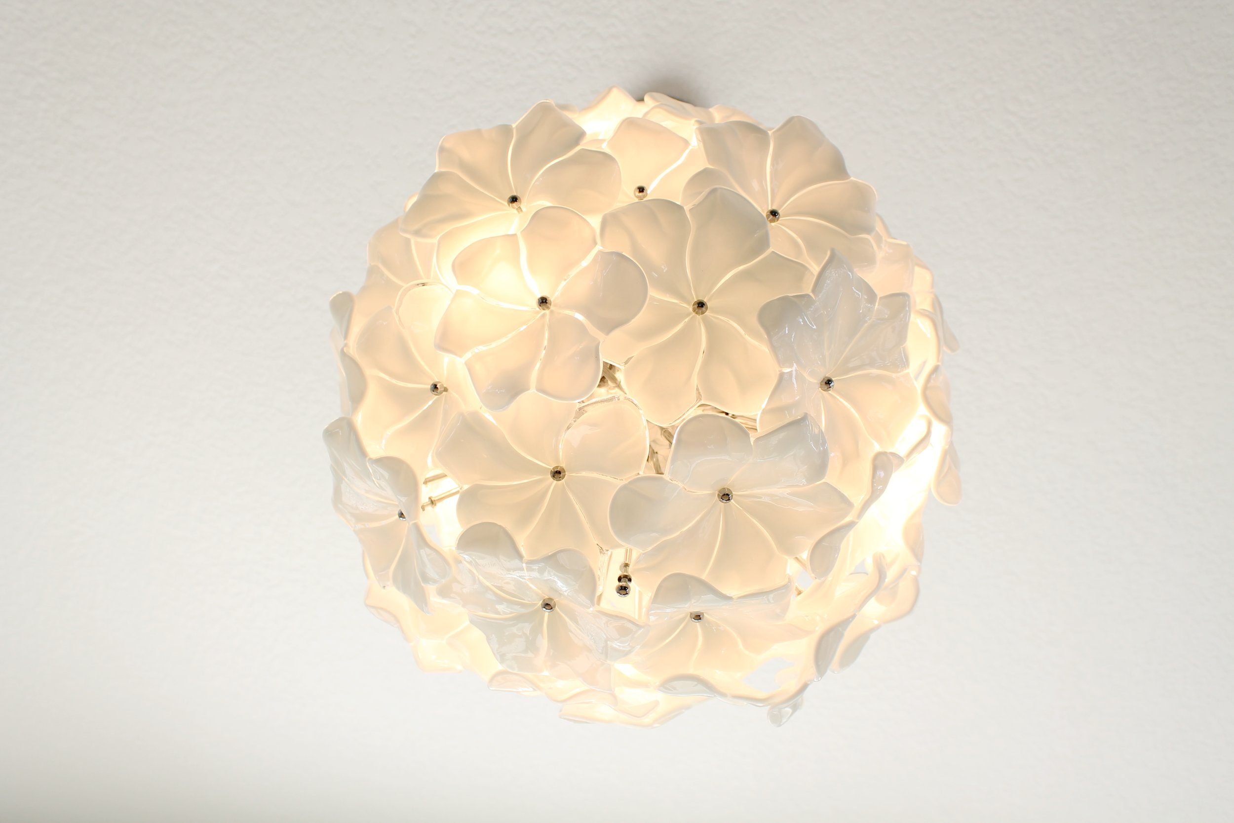 Murano hand made glass flower chandelier. White flower chandelier made in Italy.