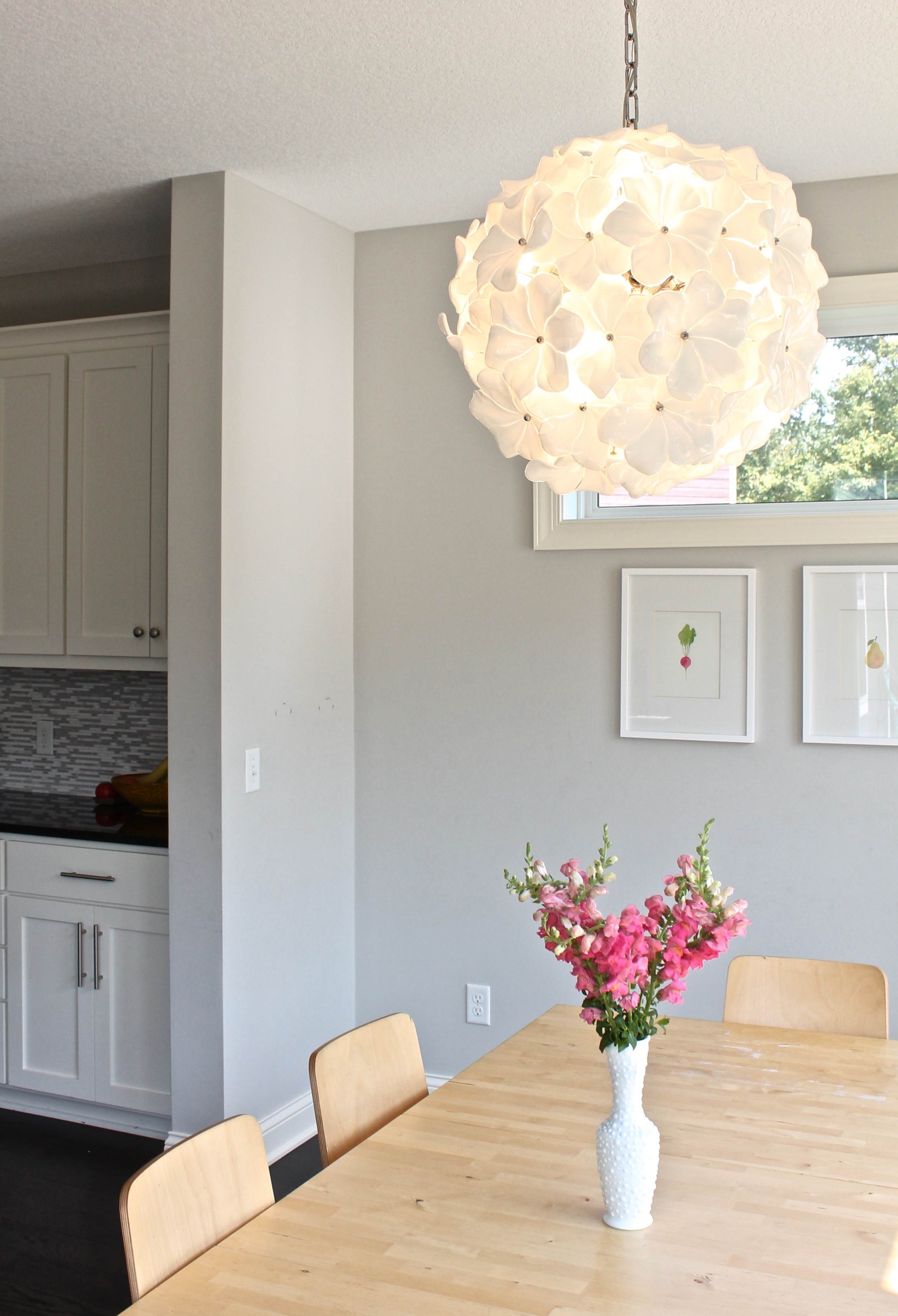 Dining Room white flower chandelier. Murano glass. Hand made chandelier.