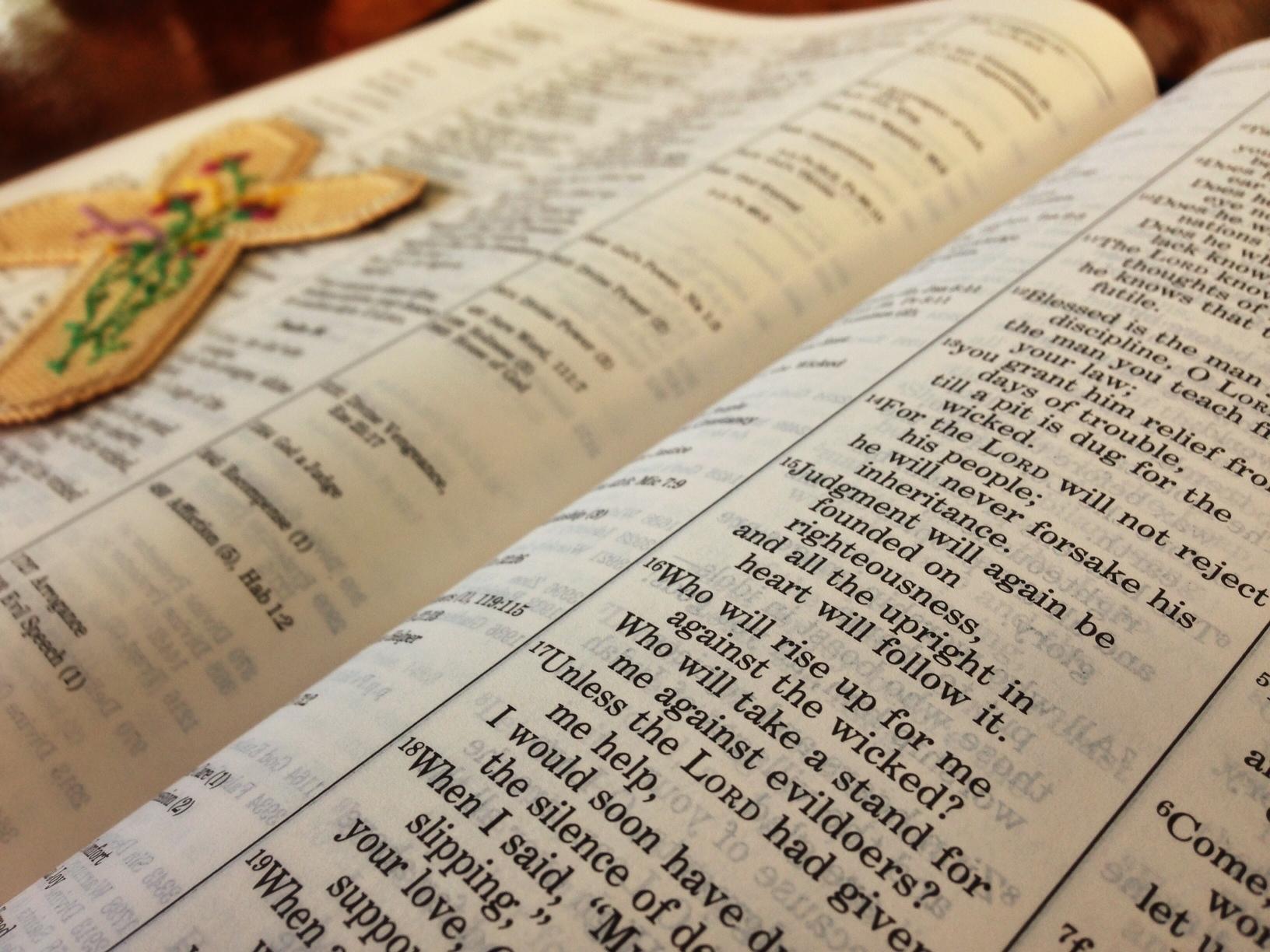 de(tales): bible