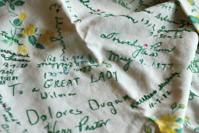 de(tales): tablecloth