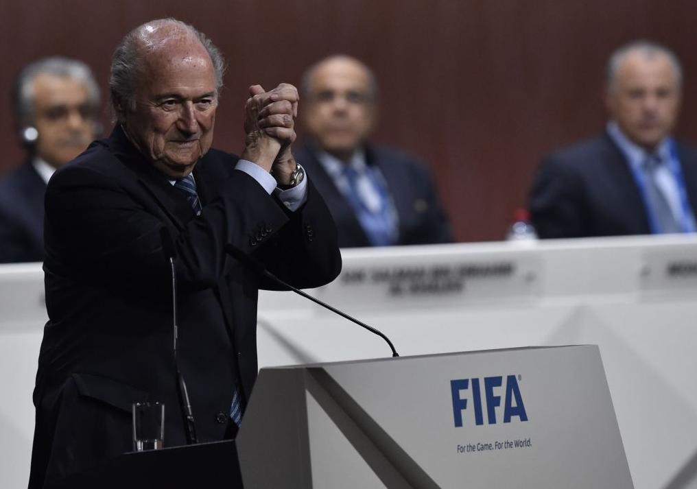 La 79 de ani, Sepp Blatter a mai câștigat un mandat de patru ani la conducerea FIFA. E al 5-lea său mandat.