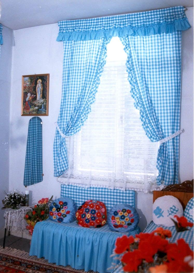 Mona's room (3)