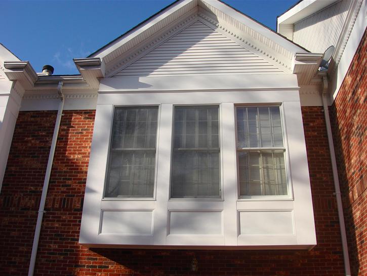 bay windows with brick siding 2.png