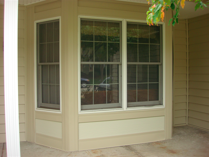 Bay windows on the front deck.png