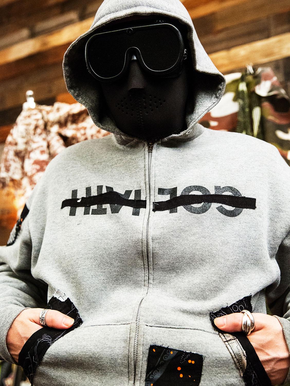 hoodie_01.jpg