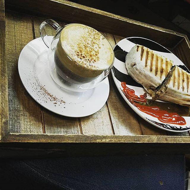 Oh man, @makario_coffee  always above and beyond!  #AesirMeadery #Makariocoffee #mead #craftmead #craft #local #EverettWa #snohomishWA #wa #coffee #drinkdifferent #Milltownmakers #amazingcustomerservice #aboveandbeyond