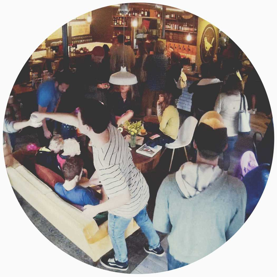 circle-brunch-crowd.jpg