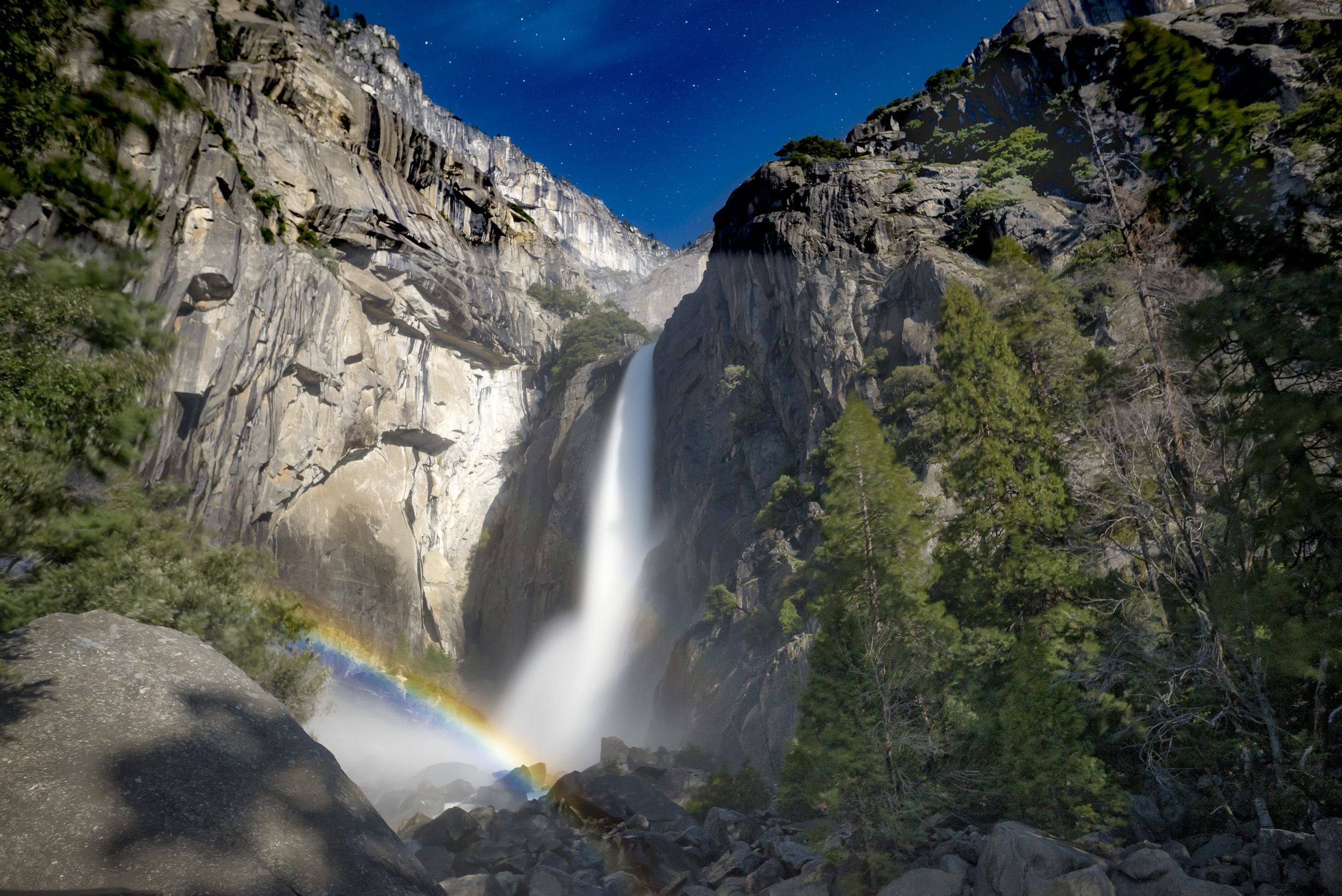Moonbow over Lower Yosemite Falls, Full Moon 4/2017