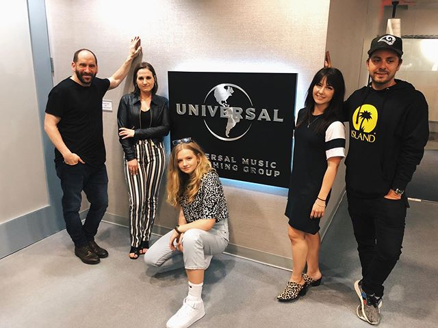 Couldn't be more excited to join the  @umpg & @ThisIsNoise family. Thank you times a million to these amazing people for believing in my vision @hannahbabitt @danpetel @davidgray16. let's do this!!!