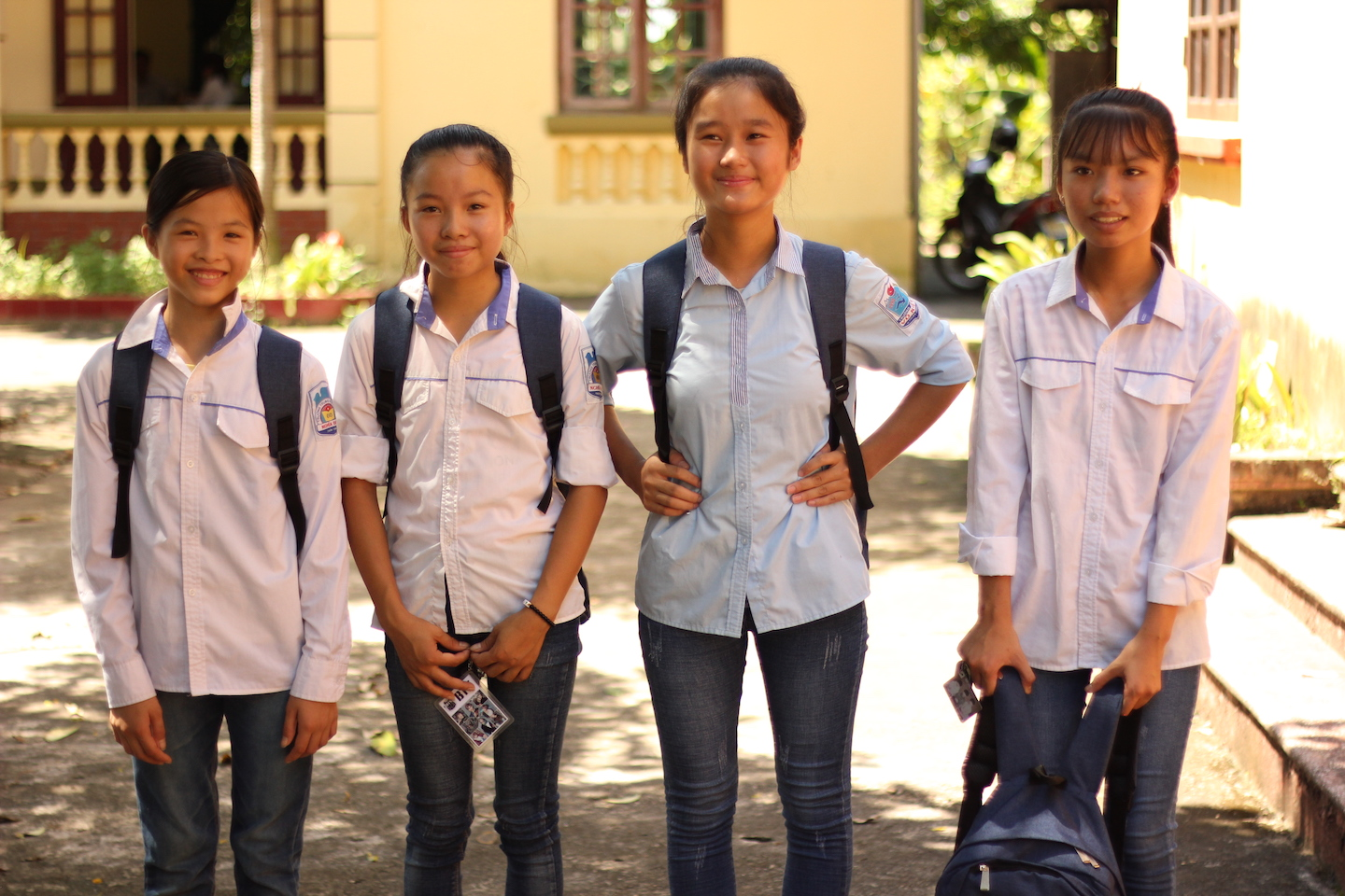 Blue Dragon supports rural students so they can keep up with their schoolingJPG.JPG