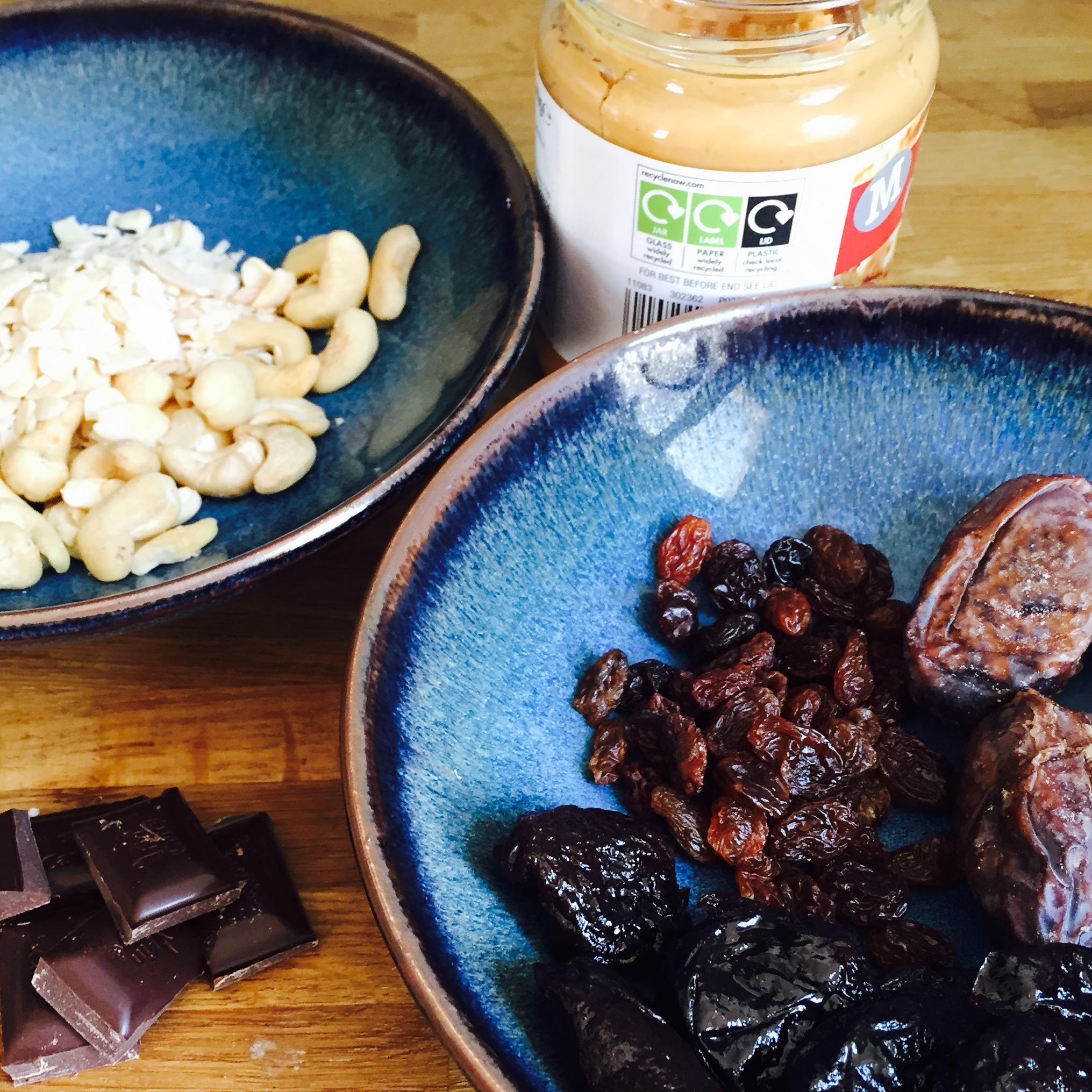 Rachel Walder fruit & nut bites of deliciousness