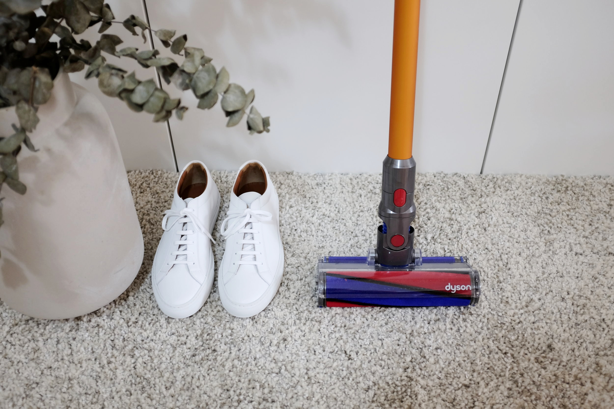 Mr Gumbatron The Dyson V8 Absolute cord-free vacuum cleaner review