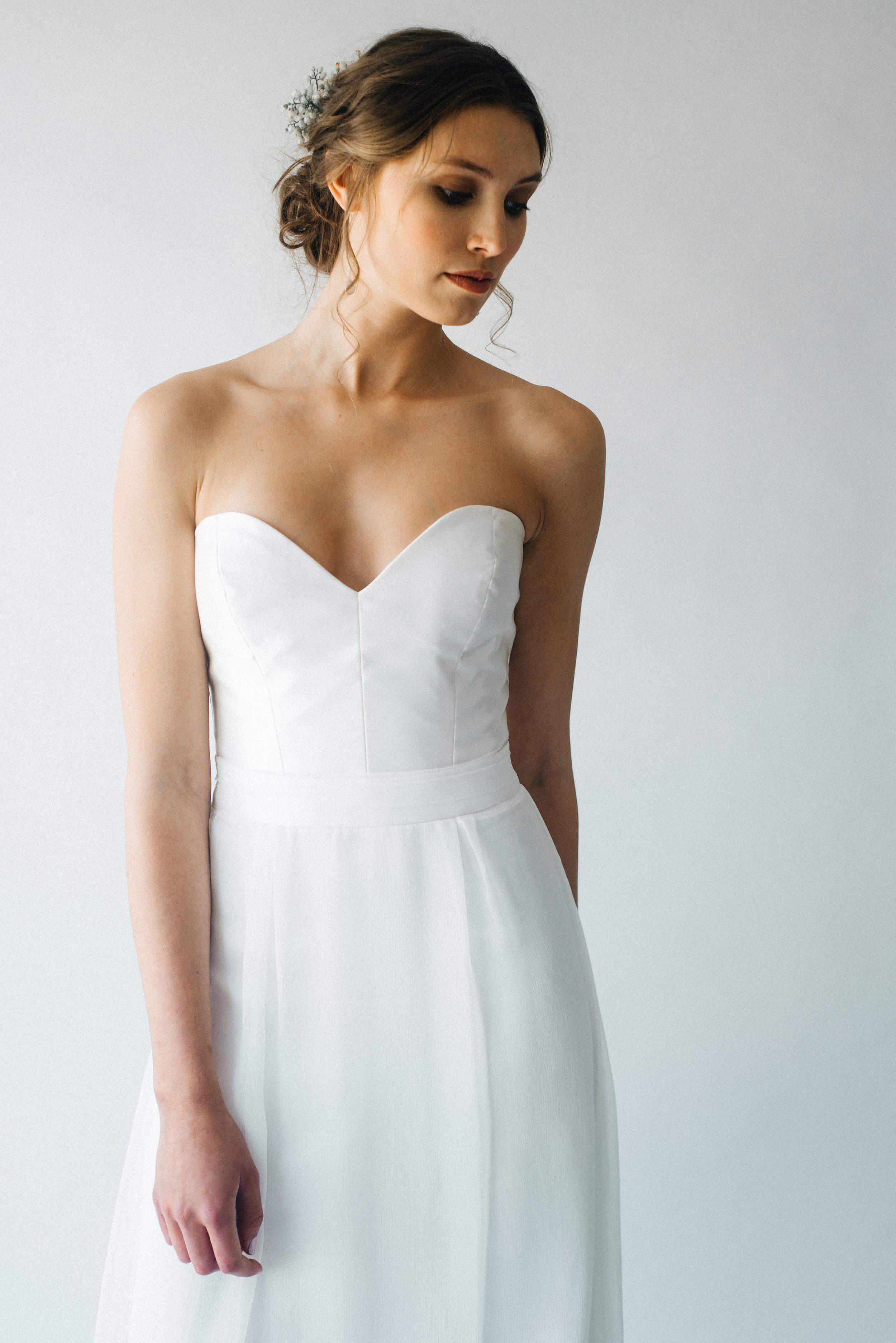 Strapless wedding dress Falmouth.jpg