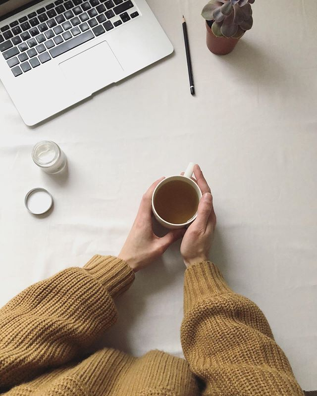 Stormy days are for herbal tea and cosy jumpers 👌☕️ Hiding away in the studio today doing admin and researching how to look after succulents (any tips much appreciated ✏️ they seem to be the easiest to look after and yet they seem to hate me!) Plus ➕ a bridal trick, always keep a good hand moisturiser with you, especially this time of year, so you don't get any nicks in any delicate fabrics! ⠀ Also to note: I'm currently in the middle of moving house so please bear with me as I have limited access to WiFi and phone signal, it should be remedied by Fri 1st Nov 🤞
