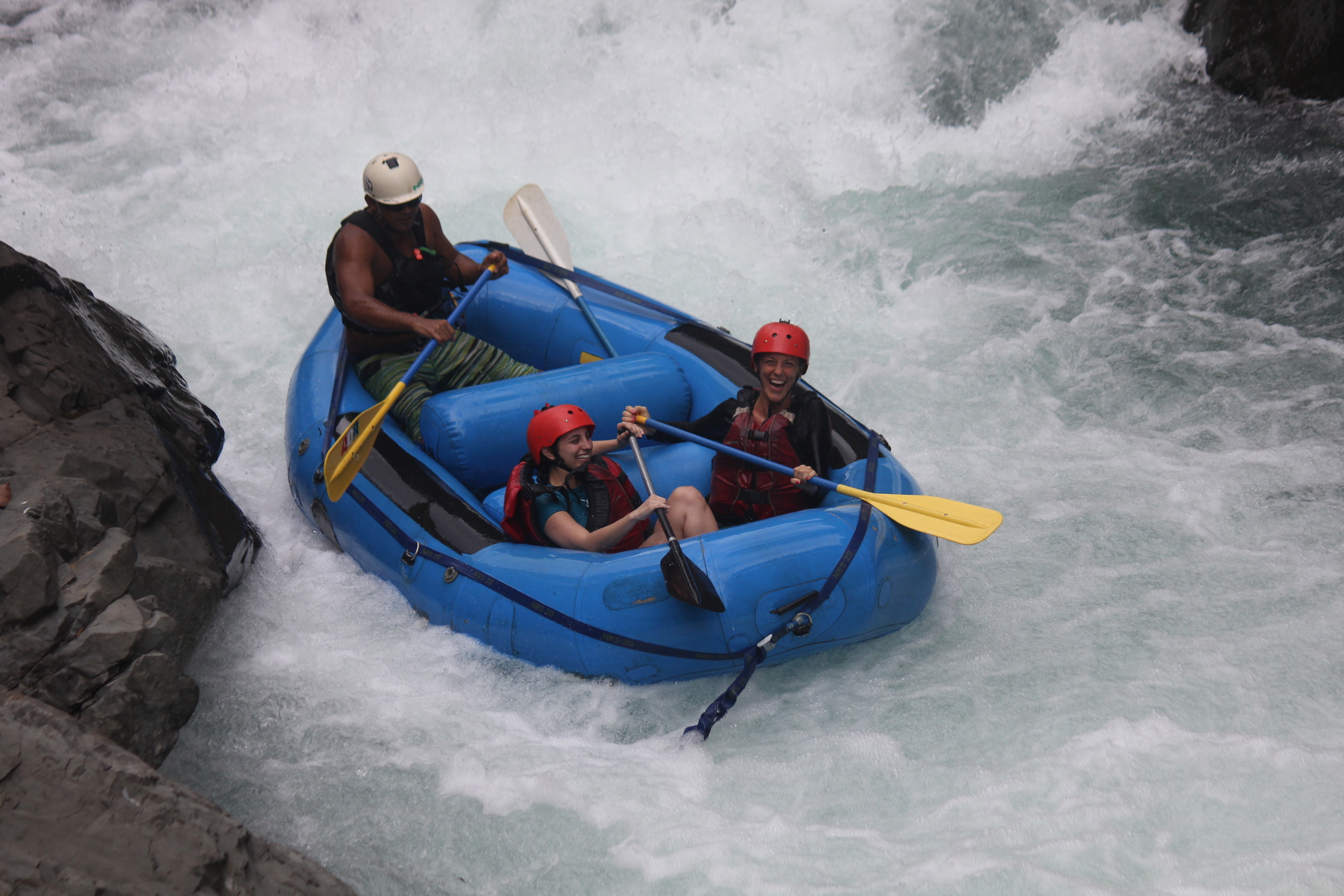 water rafting in costa rica