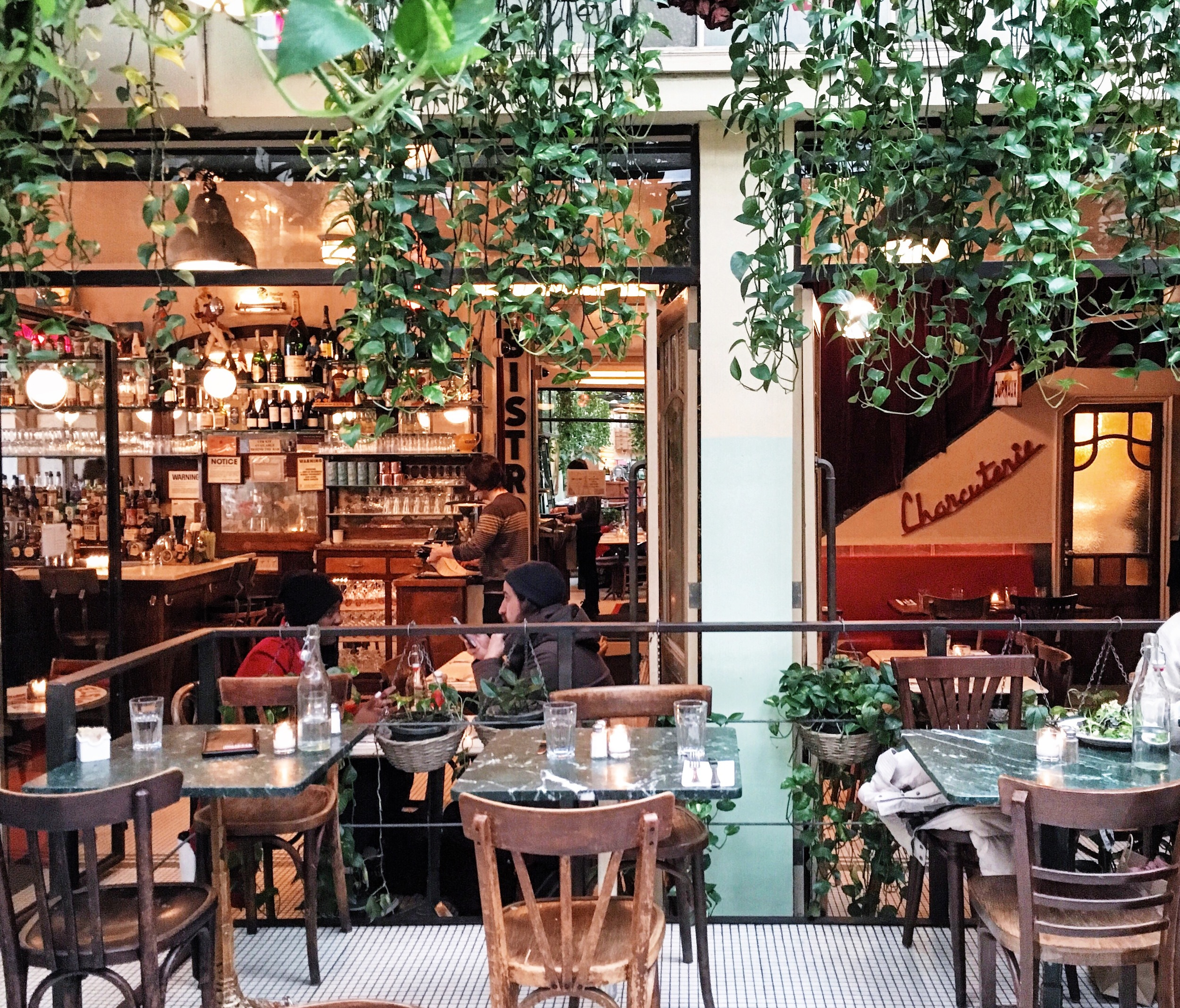 Juliette Restaurant, Brooklyn, 135 N 5th St