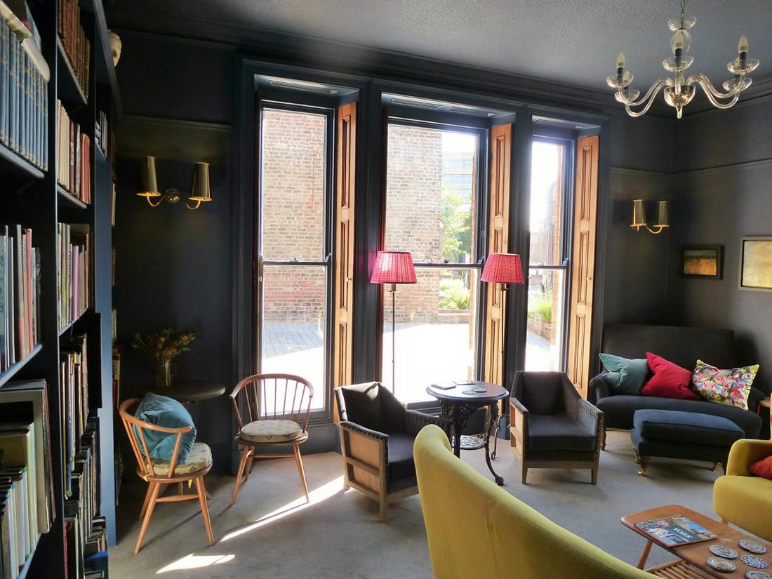 victorian-windows-at-the-parisi.jpg
