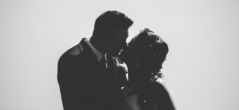silhouette wedding couple