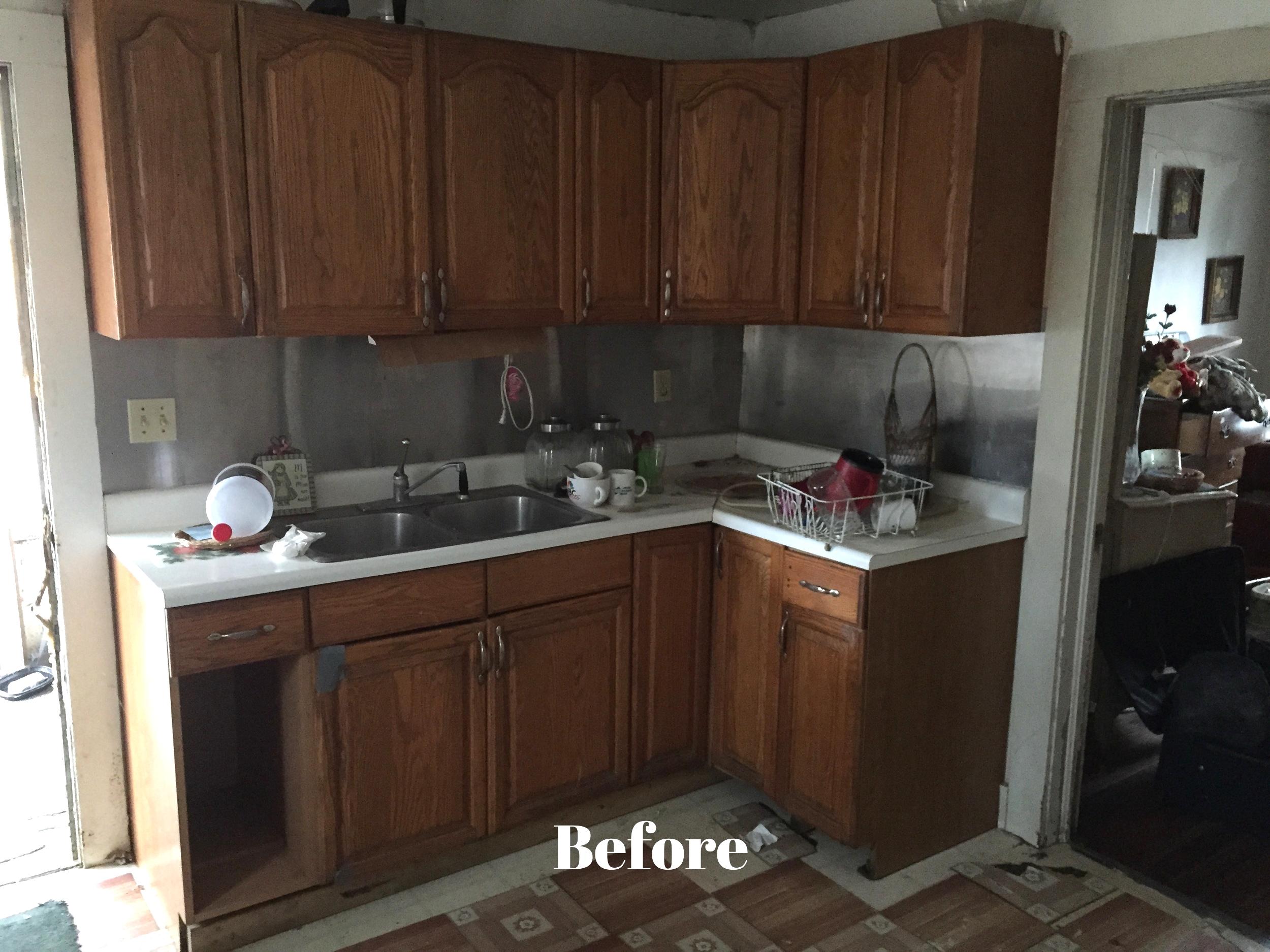 Kitchen Before 12.jpg