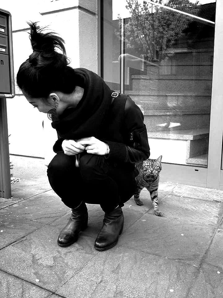"11. April 2015: With our neighbor cat ""Schoko"""