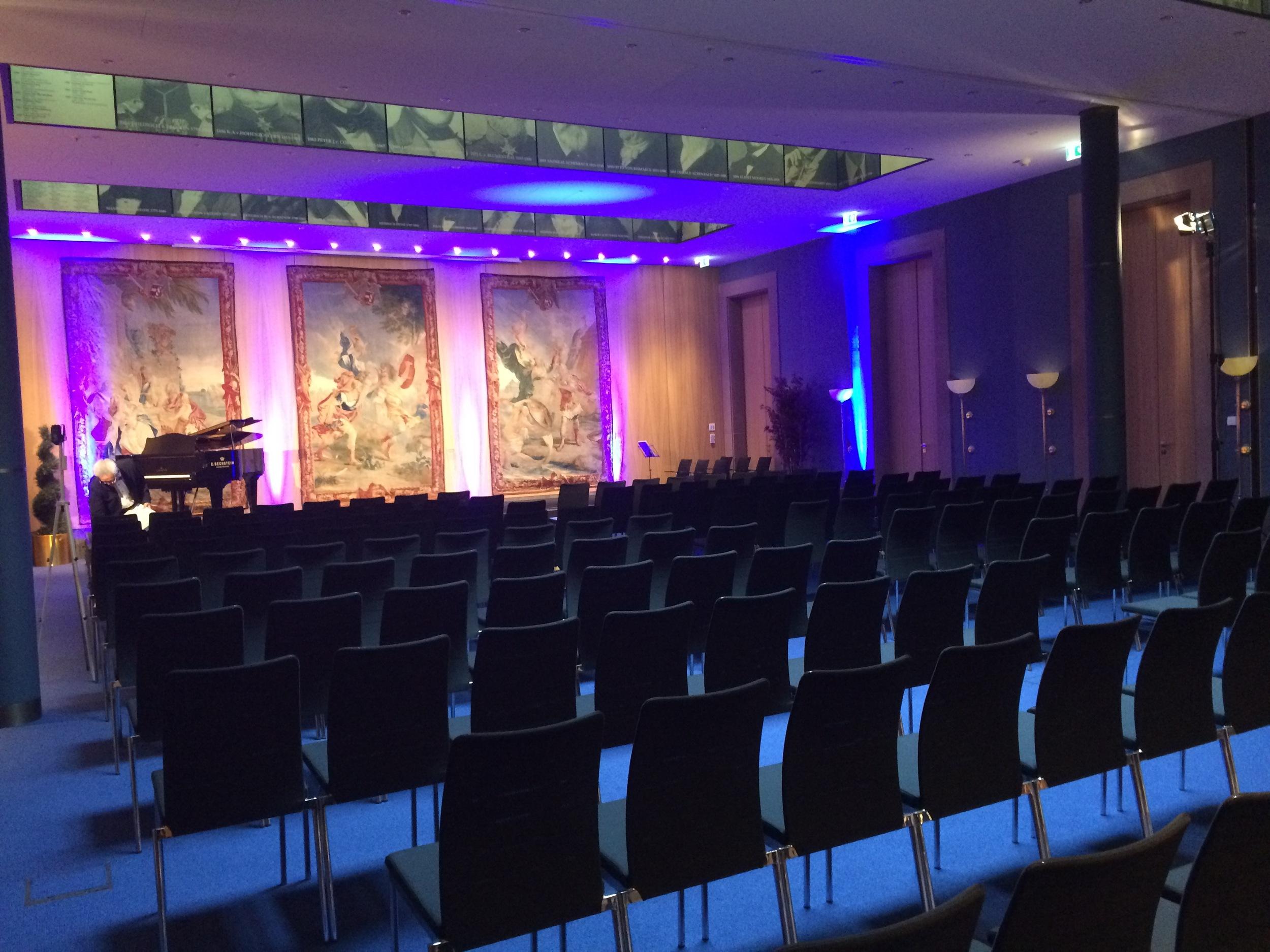8.Nov 2015 :Musiksaal
