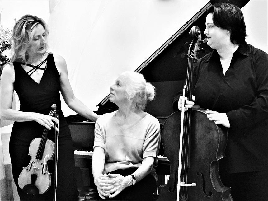 Kristen Autry, Lynn Schugren, Alexandra Roedder
