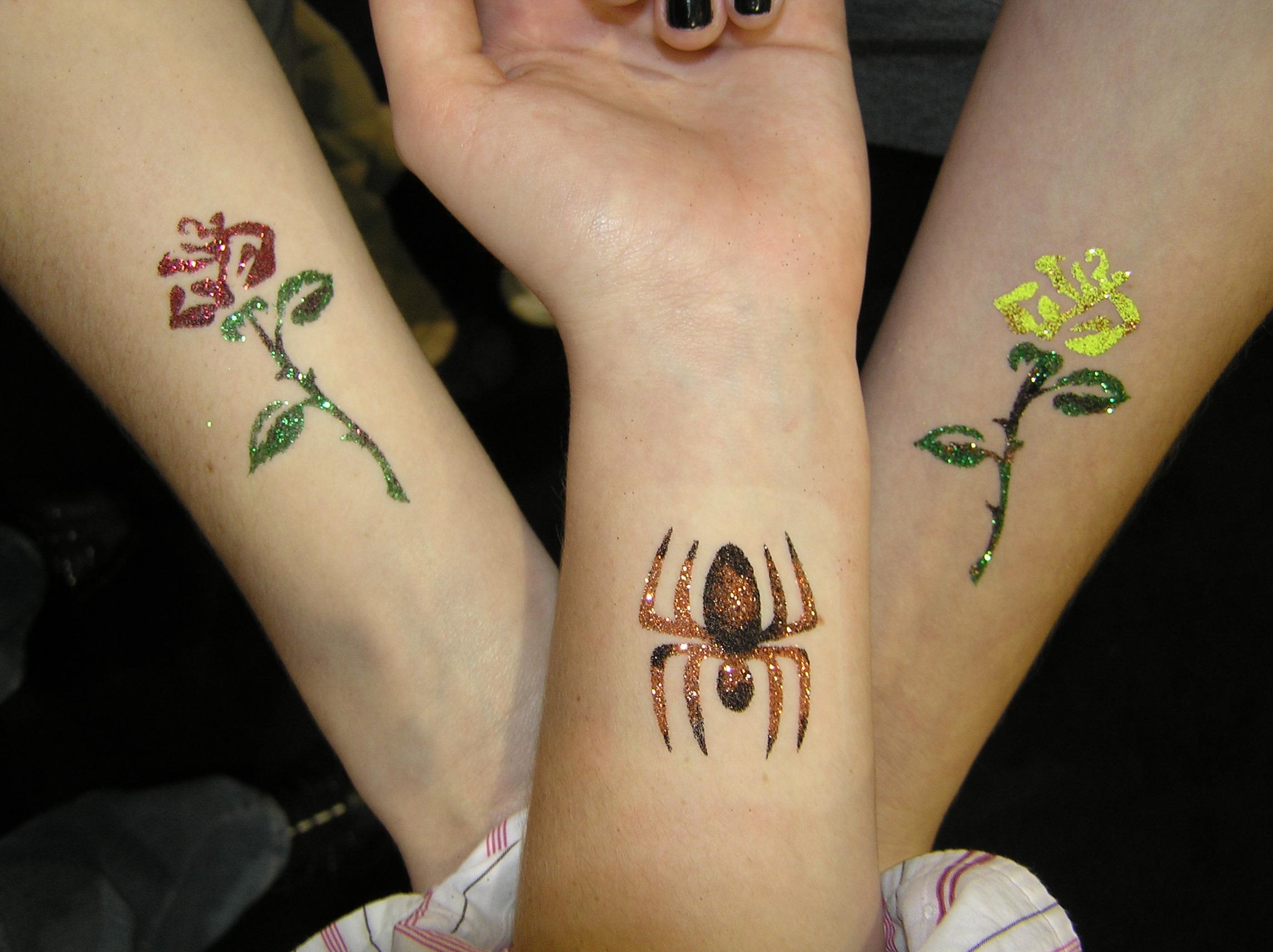 spideroses.JPG
