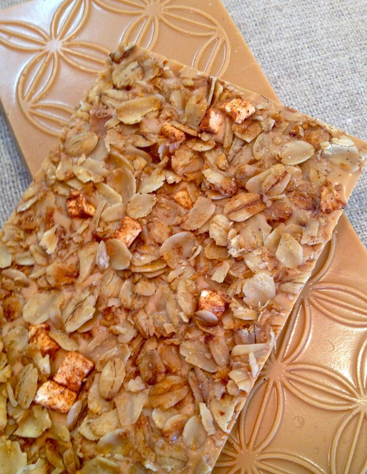 The autumn apple bar, aka toasted white couverture chocolate with dried apple and spiced honey granola