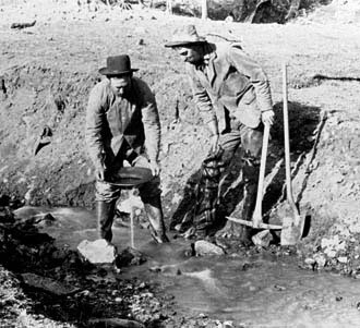 コロラド州パイクスピーク付近の金鉱採掘場