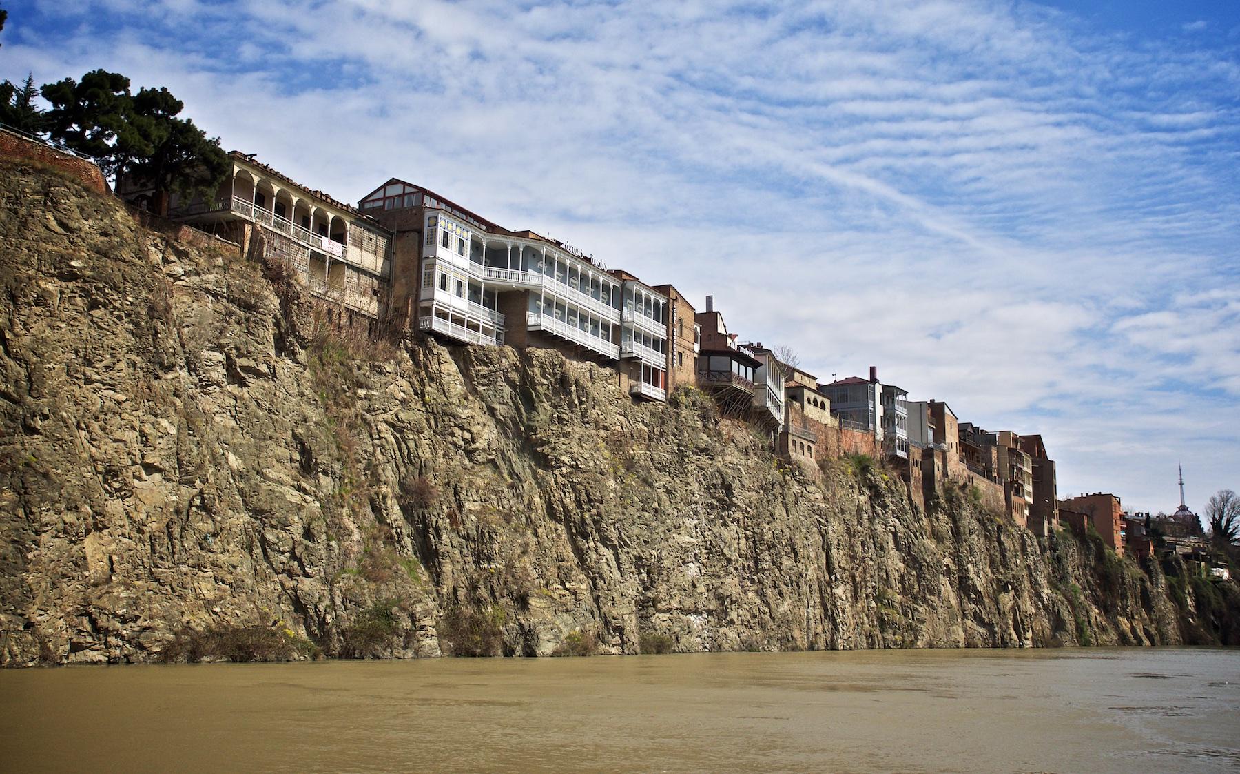 Metekhi Cliffs