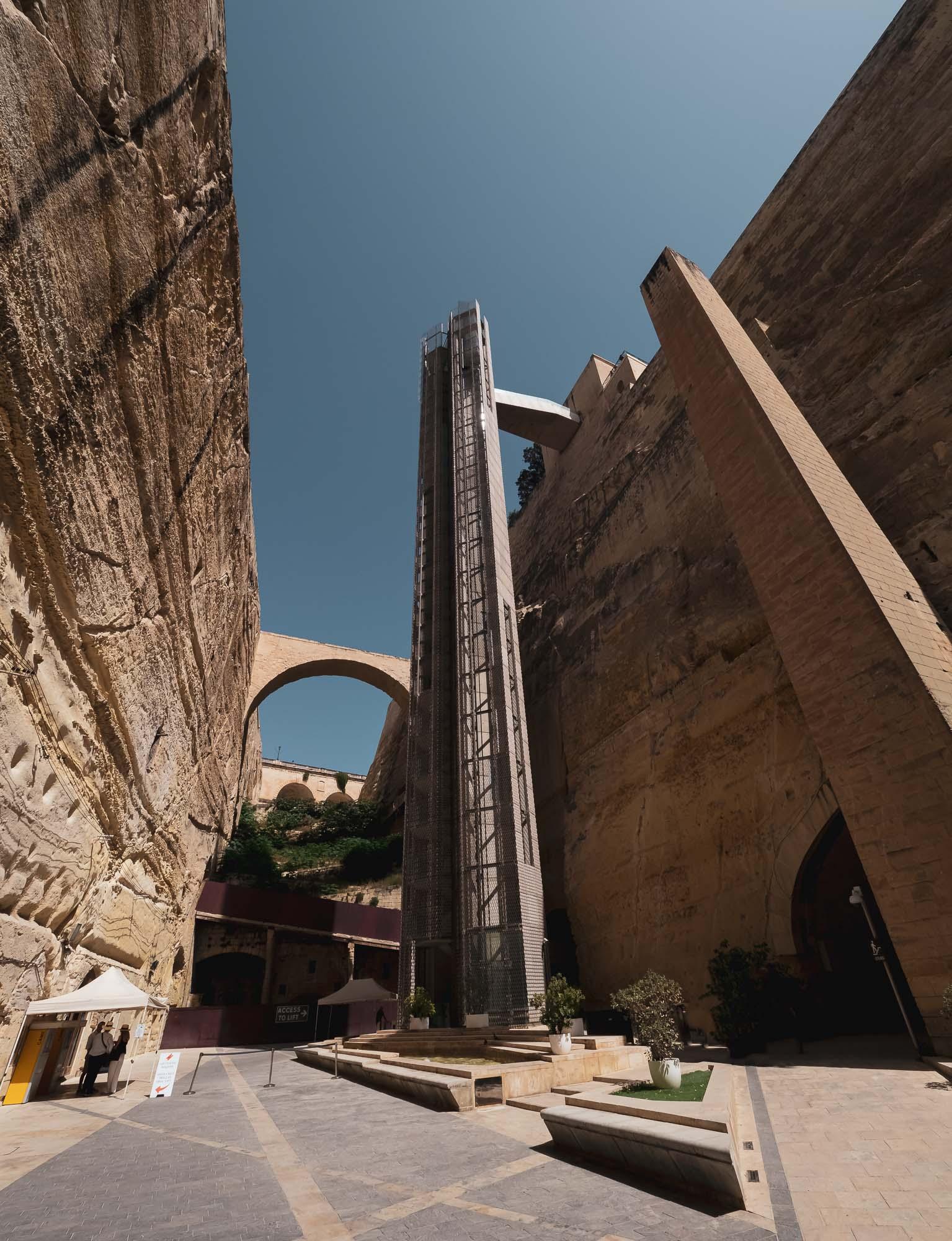 Barraka Lift