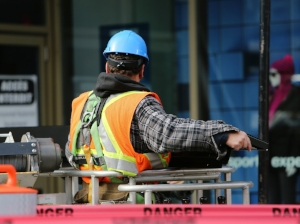 construction-worker-569126_1920.jpg