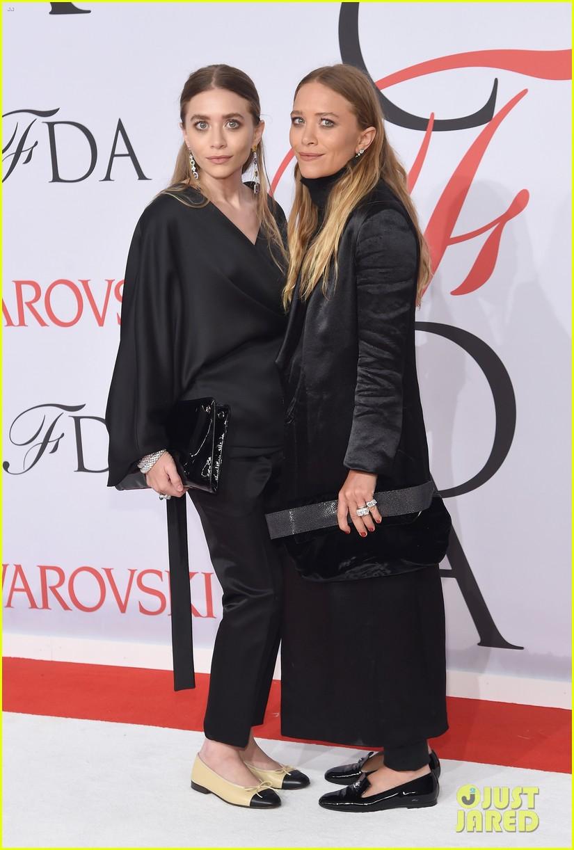 Mary Kate and Ashley at the 2015 CFDA Awards