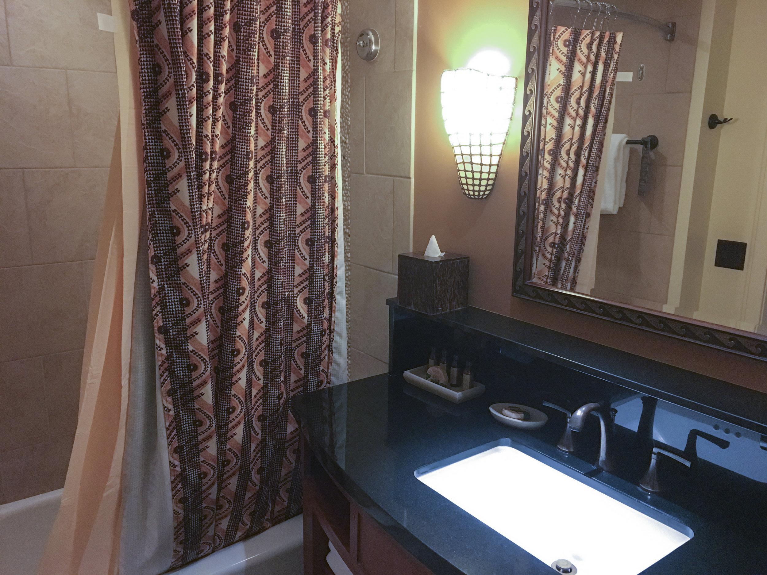 disney_dinks_aulani_bathroom_1.jpg