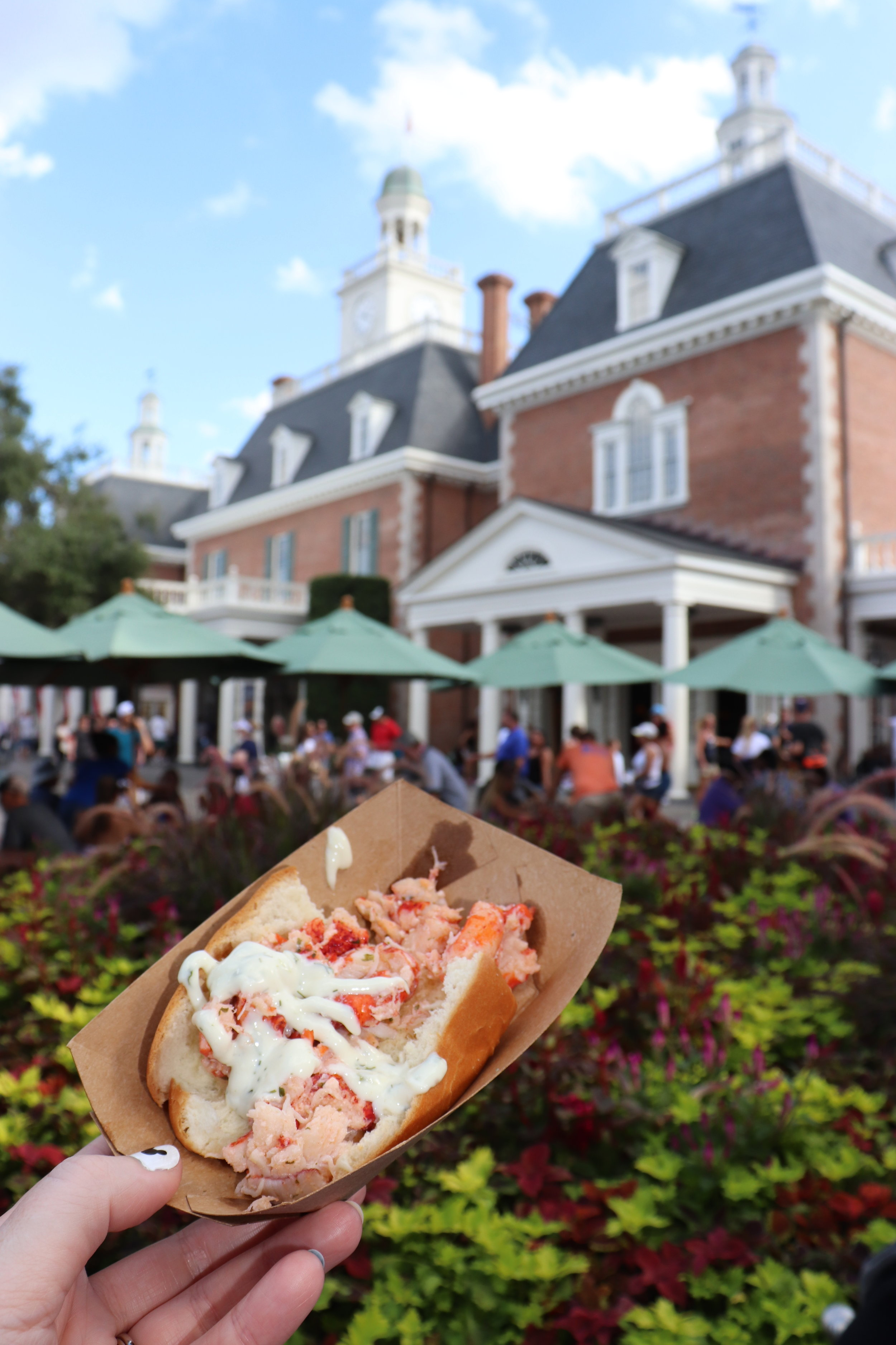 American Lobster Roll. ($8.00)