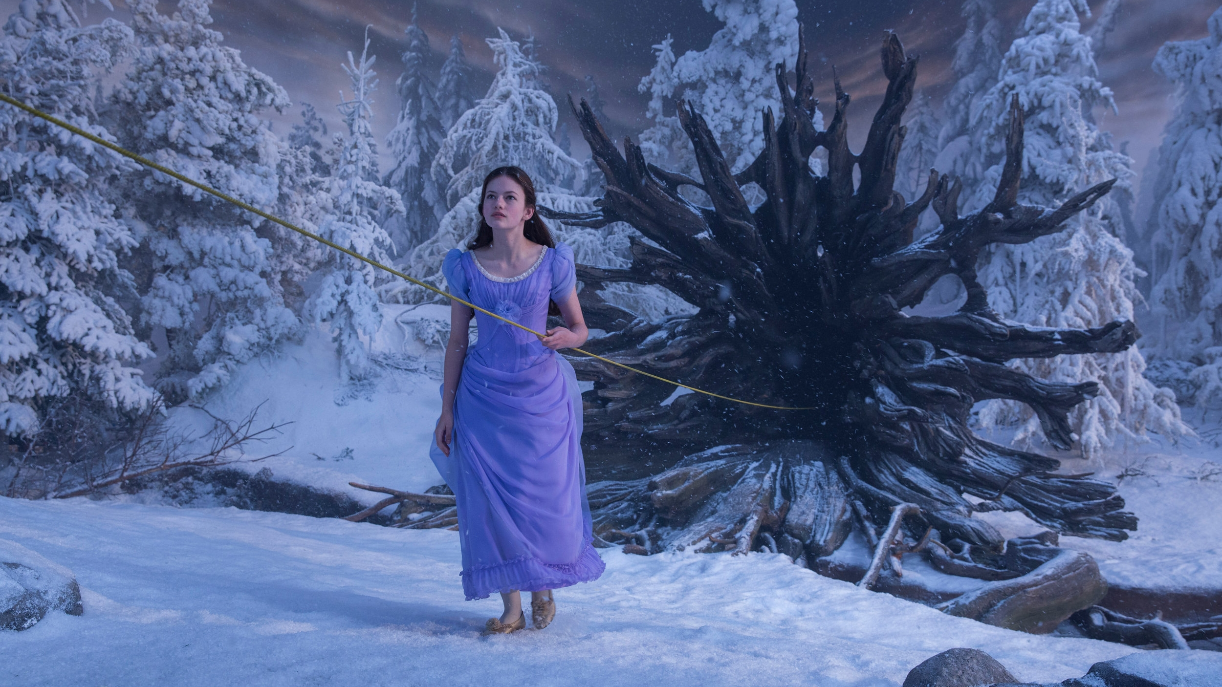 Clara (Foy) first discovering the realms.